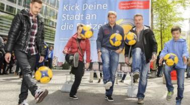 Postbank Städtetour: Berlin bekommt einen neuen Bolzplatz!